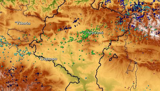 Imagen de los rayos registrados entre las 12.00 del 16 de julio y las 00.00 del 17 de julio.