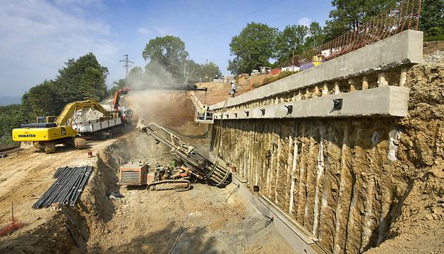Obras de reparación de los deslizamientos en el túnel de Belate.