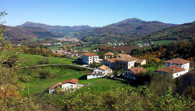 Una vista general del valle del Baztan, tal y como se ve desde el mirador.