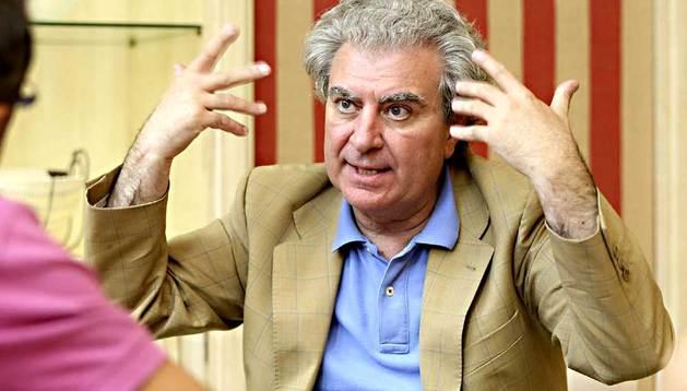 El director de la Casa del Libro y exministro de Cultura, César Antonio Molina, en la entrevista.