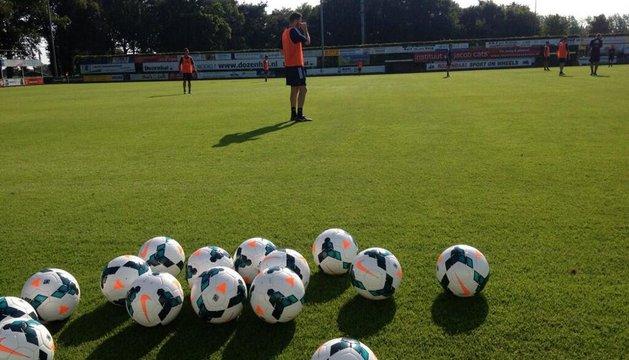Entrenamiento de Osasuna en en la Ciudad Deportiva del FC Horst  (Ermelo)