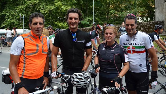 Miguel Induráin, el Duque de Feria Rafael Medina, Marisa López y Pruden Induráin, tras la marcha del año pasado