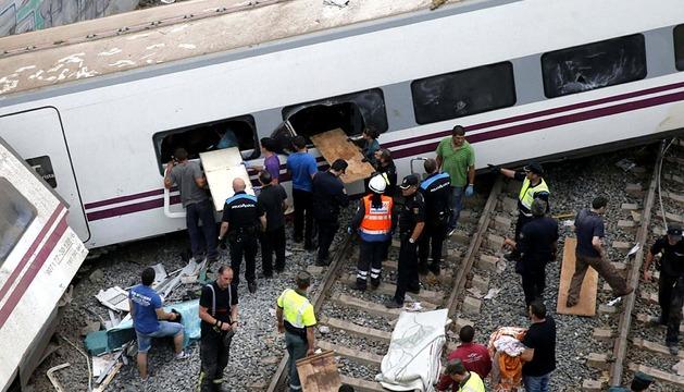 Tren que ha descarrilado cerca de Santiago de Compostela
