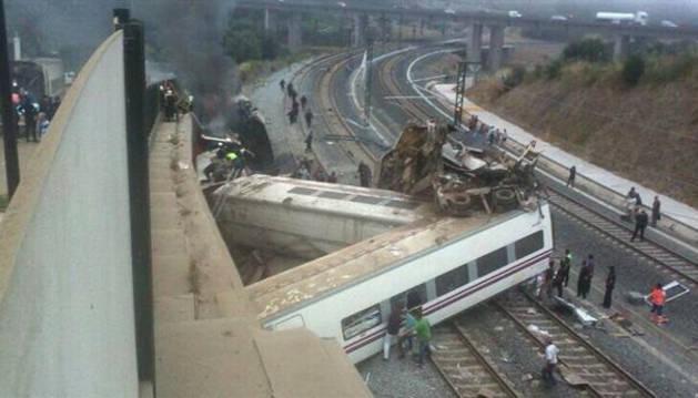 El tren Alvia procedente de Madrid tras el accidente cerca de Santiago de Compostela