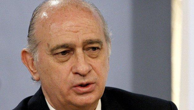 El ministro del Interior, Jorge Fernández Díaz, durante la rueda de prensa posterior a la reunión del Consejo de Ministros que ha tenido lugar este viernes en La Moncloa.