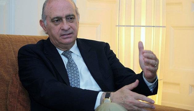 El ministro del Interior, Jorge Fernández Díaz, en un momento de la entrevista.