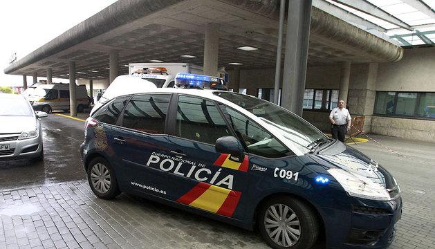 Francisco José Garzón, es trasladado a la Comisaría en un coche de la Policía Nacional, tras ser imputado por un presunto delito de homicidio por imprudencia.