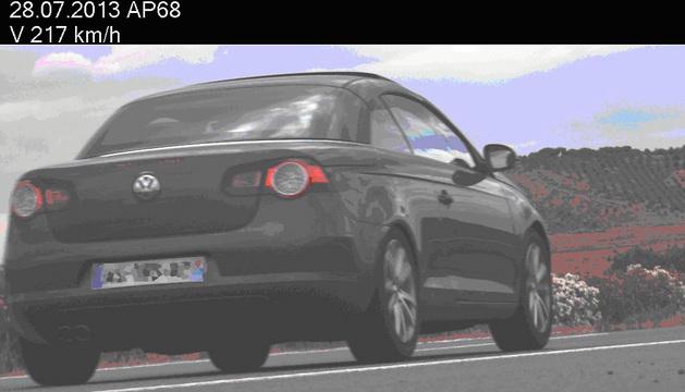 Imagen del vehículo en el momento de la infracción.