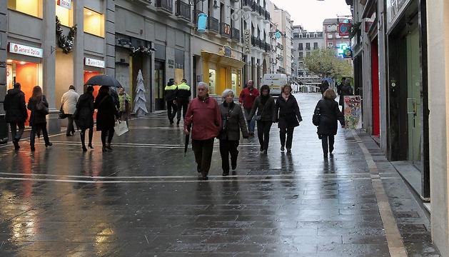 Imagen de la calle Chapitela, una de las afectadas por los cortes.