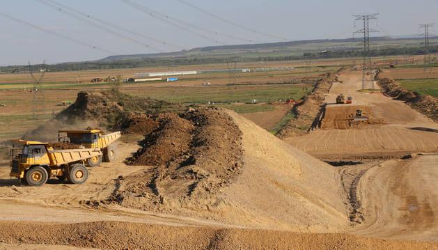 Obras del TAV en el tramo Castejón-Cadreita durante mayo pasado.