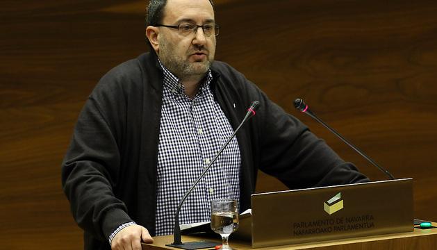 José Miguel Nuin, en el Parlamento.