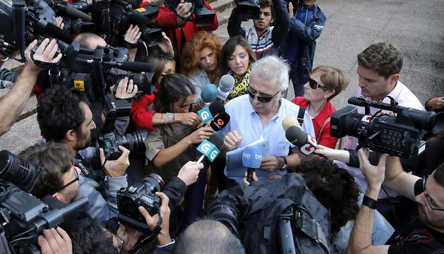 El interventor, a su llegada a los Juzgados de Santiago.