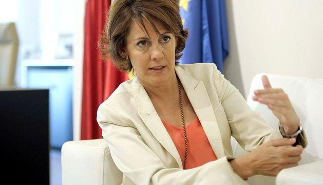 La presidenta de Navarra, Yolanda Barcina, durante la entrevista.