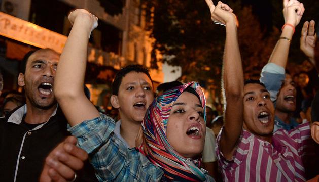 Cientos de personas se congregaron en Kenitra, ciudad donde vivía el pederasta, para protestar por la liberación del español.