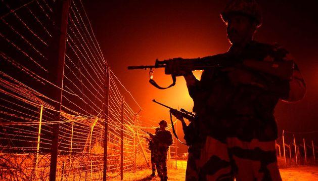 Imagen de archivo de soldados en la frontera entre India y Pakistán.