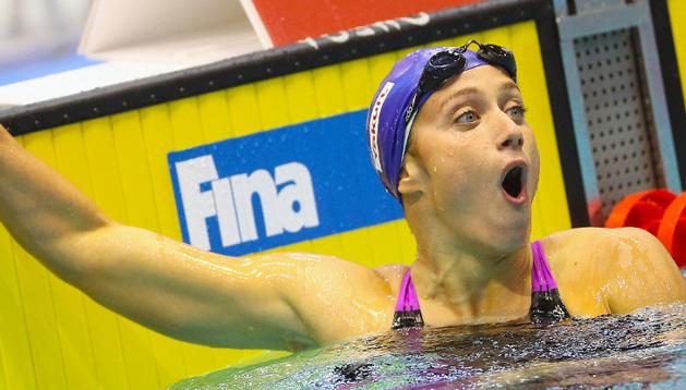 Mireia Belmonte, sorprendida tras batir el récord del mundo de 400 metros libre