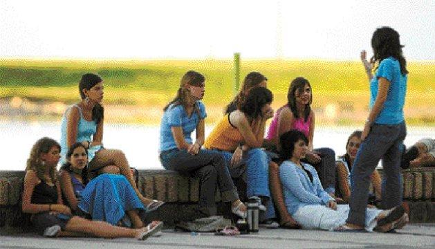 Los jóvenes menores de 25 años ocupados superan los 8.300.