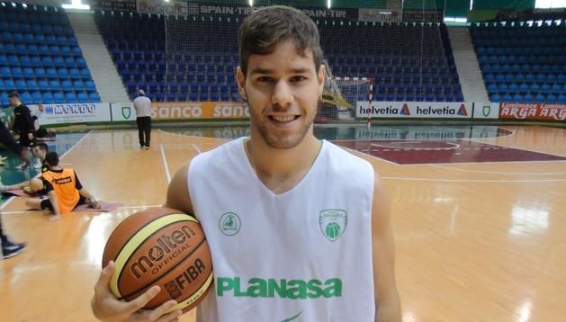 Christian Díaz ha renovado con Planasa Navarra