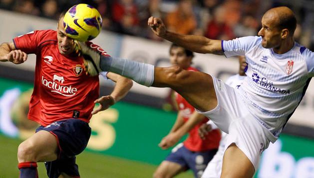 Osasuna y Granada estrenan la temporada este domingo a las 21 horas en El Sadar