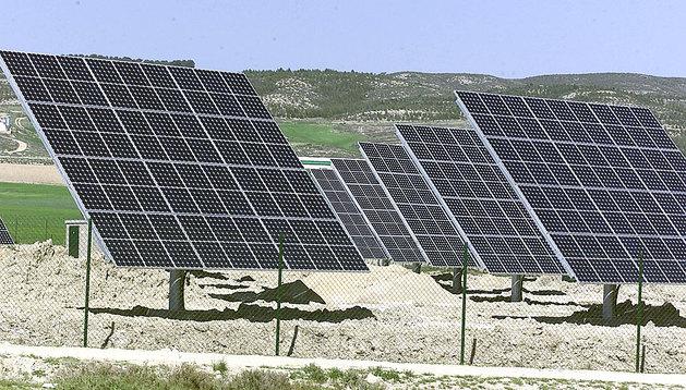 Paneles solares en Sesma.
