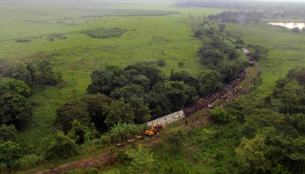 Vista aérea del descarrilamiento del tren de carga conocido como La Bestia