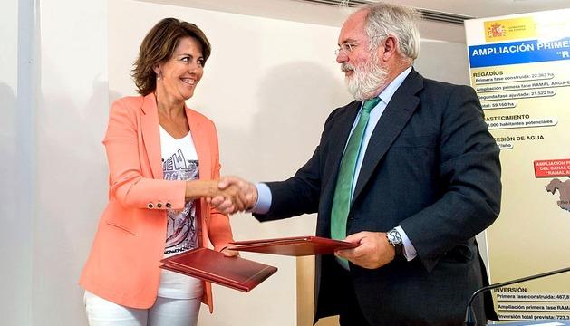 Firma de la prórroga del convenio del Canal de Navarra