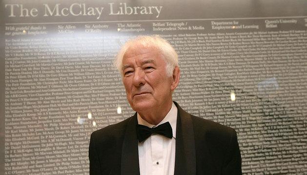 El poeta irlandés Seamus Heaney.