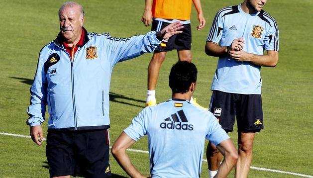 Vicente del Bosque dirige el primer entrenamiento de España en la Ciudad del Fútbol de Las Rozas