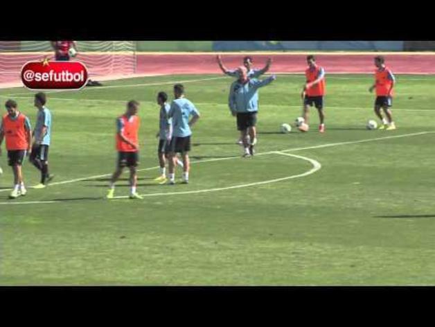 Espectacular gol de Pedro en el entrenamiento de la selección