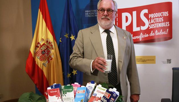 El ministro de Agricultura, Alimentación y Medio Ambiente, Miguel Arias Cañete, durante la presentación de la campaña de Productos Lácteos Sostenibles
