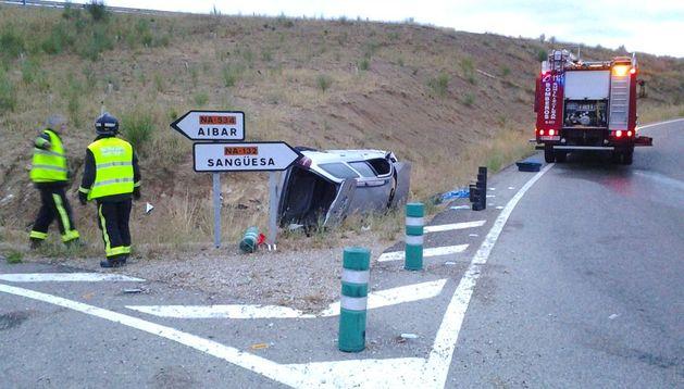 El accidente tuvo lugar en la rotonda del cruce de carreteras.