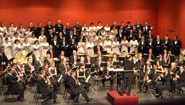 El concierto del Orfeón Pamplonés y La Pamplonesa se celebró este año en el Gayarre.