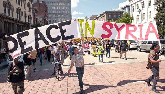 Marcha en Washington en contra de la intervención en Siria.