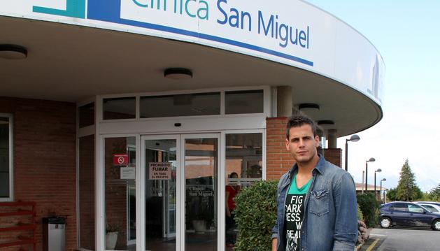 Echaide, a su entrada en la Clínica San Miguel, donde fue intervenido.