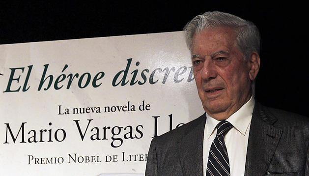 El escritor Mario Vargas Llosa sitúa en el Perú actual su nueva novela,