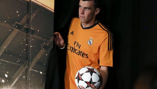 Gareth Bale, con la nueva equipación naranja madridista