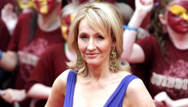 J K Rowling, en la alfombra roja para el estreno de la película