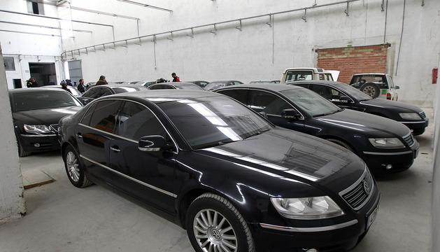 Algunos de los Volkswagen Phaeton que han transportado en los últimos años a altos cargos del Ejecutivo foral