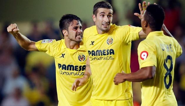 Los jugadores del Villarreal celebran el segundo gol ante el Real Madrid