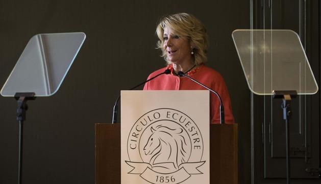 La presidenta del PP de Madrid, Esperanza Aguirre, este jueves en el Círculo Ecuestre de Barcelona