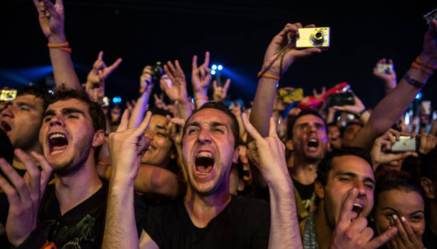 Los aficionados del heavy metal cubrieron de negro la Ciudad del Rock para ver a Metallica.
