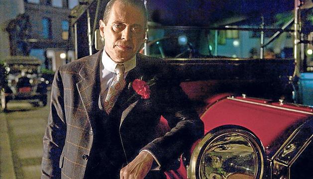 Steve Buscemi es Nucky Thompson en Boardwalk Empire.