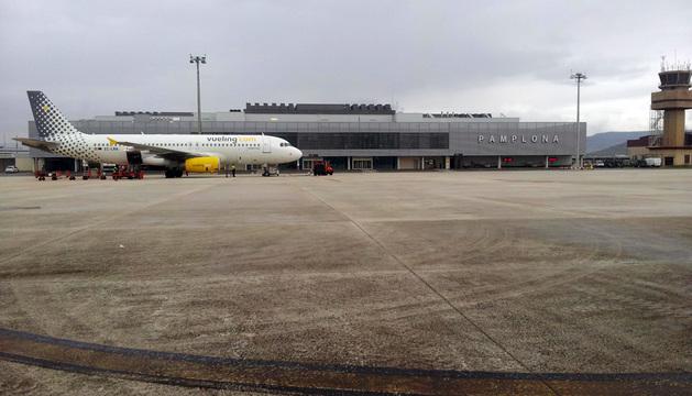 Vueling operaba seis vuelos semanales desde el aeropuerto de Noáin.
