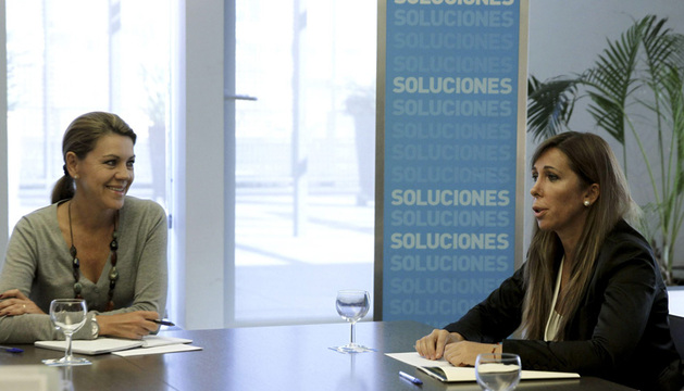 La presidenta del PP Catalán, Alicia Sánchez-Camacho, junto a la la secretaria general del partido, María Dolores de Cospedal.