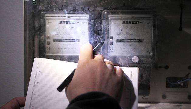 Revisión de contadores de luz