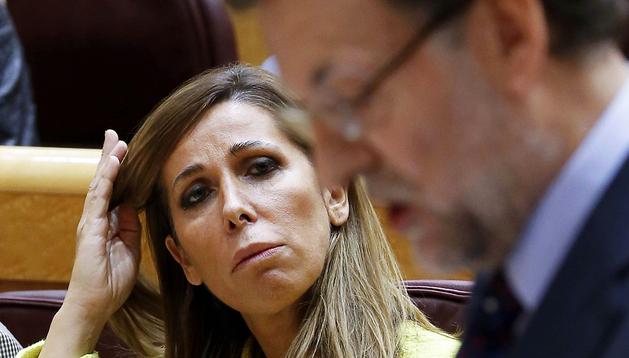 El presidente del Gobierno, Mariano Rajoy, interviene en presencia de la senadora del Partido Popular, Alicia Sánchez-Camacho, en el Senado