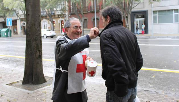 Una edición anterior del 'Día de la Banderita' de Cruz Roja.
