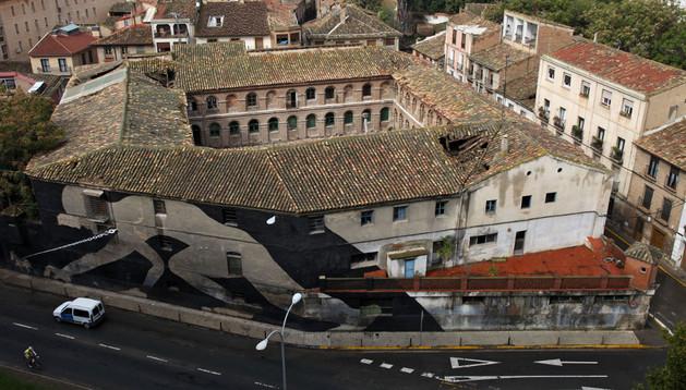 Vista aérea del antiguo edificio de Sementales, que se quiere convertir en un centro cultural diseñado por Rafael Moneo.