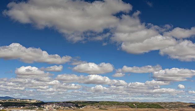 Formación de nubes sobre Lodosa.