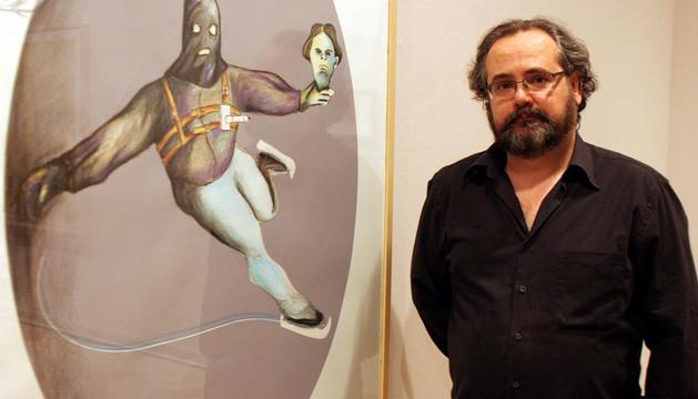 El artista Patxi Ezquieta, con una exposición anterior